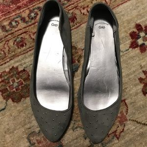 Gap woman's studded pointed flats